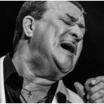 Tito Rojas le canta a doctores y enfermeras